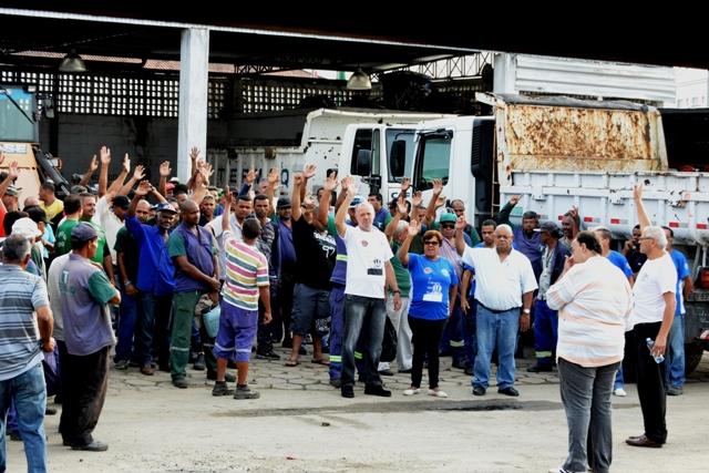 Pessoal da Termaq em  greve nesta terça-feira