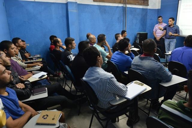 Presidente Macaé recepciona novos alunos do CTEP