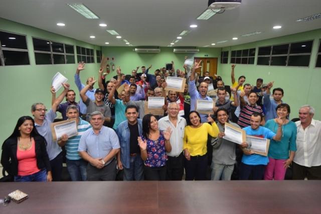 Diretoria do Sintracomos prestigia formatura dos alunos do CTEP