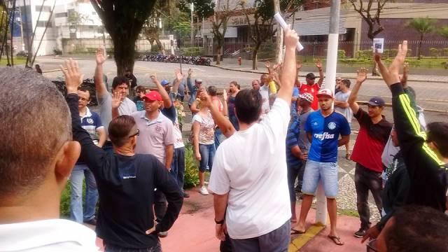 Assembleia desta segunda (19/9) confirma continuidade da greve na Cursan
