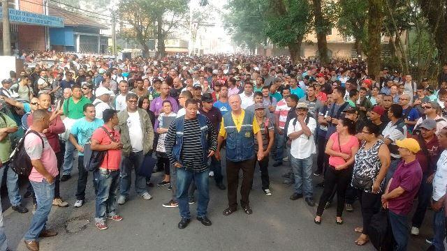 Sintracomos apóia manifestação de trabalhadores desempregados