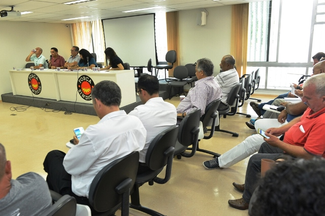 Sintracomos  participa de reunião de organização da festa de 1º de maio da Força Sindical