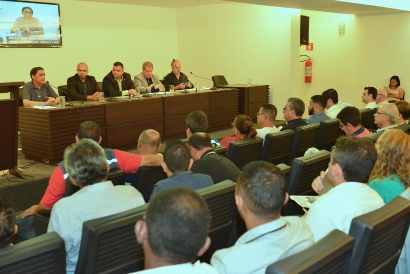 Audiência Pública: Sintracomos questiona possível venda da Usina de Asfalto da Prodesan