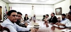 Reunião na Prefeitura de São Vicente