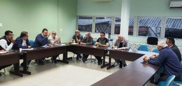 Diretoria do Sintracomos se reúne mais uma vez com representantes das empreiteiras contratadas da Usiminas na tentativa de resolver o impasse nas negociações com data base em 1º de agosto.